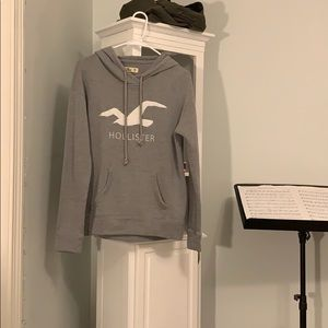 Women's Hollister sweatshirt